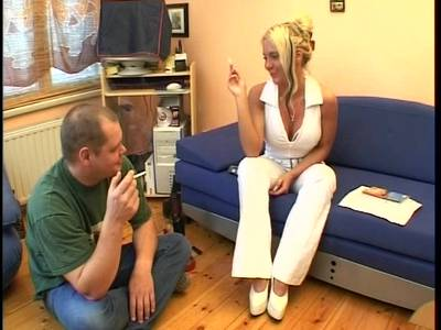 Polin fickt sich selber anal - 3 part 1