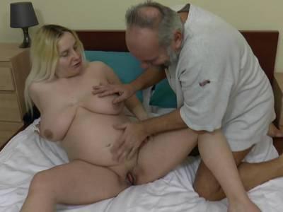 nackte schwangere frauen bei der geburt porno