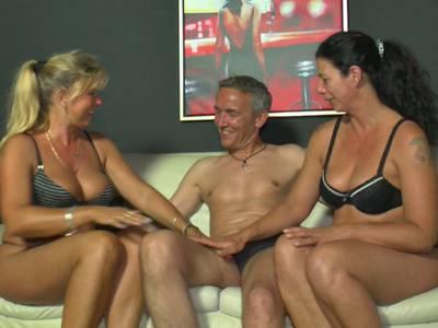 Flotter Dreier Ein Mann Zwei Frauen